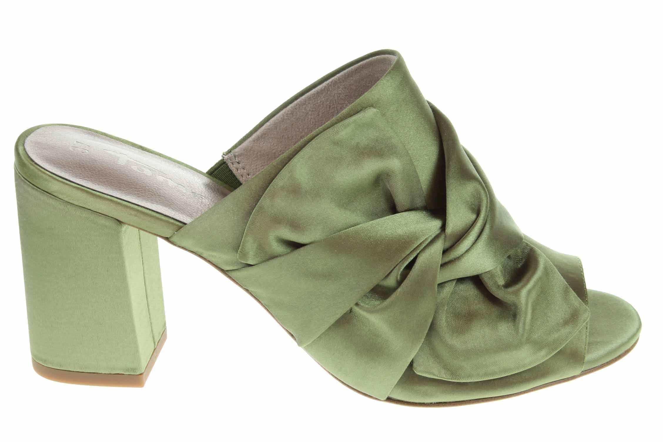 Pantofle b9a793f9e5